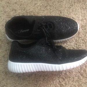 Shoes - Black sparkle tennis shoe